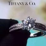Tiffany飾品-01 高貴奢華女士925純銀單排1.5克拉訂婚鑽戒