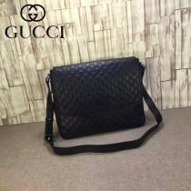 Gucci 223665-02 潮流時尚經典款黑色全皮壓花男士斜背包郵差包