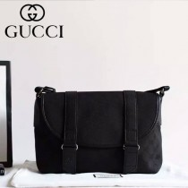 Gucci 374429 潮流時尚款進口牛皮配帆布休閑斜挎包