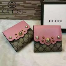 GUCCI 431480-3 潮流新款珍珠系列粉色配PVC搭扣短夾