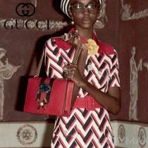 Gucci 432280-01 專櫃時尚新款進口牛皮peony系列草莓配飾中號肩背包