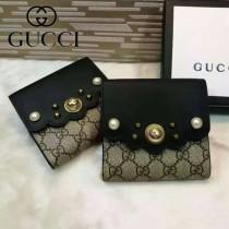 GUCCI 431480 潮流新款珍珠系列黑色配PVC搭扣短夾