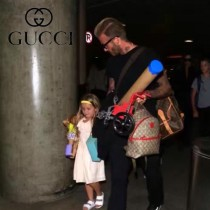 Gucci 271327-01 專櫃時尚新款貝克漢姆七公主同款mini草莓圖案雙肩包