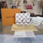 LV M63241 專櫃時尚新款Anais系列白色棋盤格原版皮短夾