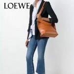 LOEWE 023-05 時尚走秀款Strip bag系列原版小牛皮手提斜挎包