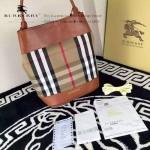 Burberry-0202-01 時尚新款原版牛皮與棉布內設小包手提斜跨水桶包