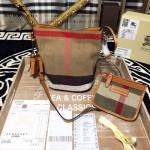 Burberry-0200-01 專櫃時尚新款原單黃麻配原版進口荔枝紋牛皮水桶包