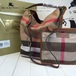 Burberry-0223 潮流時尚款來自星星的妳千頌依同款可拆式皮質斜背帶水桶包