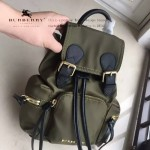 Burberry-0250-01 潮流時尚明星同步歐洲原版新款原單材質牛皮配防水紡布小號雙肩包