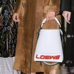LOEWE 0236-02 專櫃走秀款T Bucket Bag系列進口原版小牛皮T形水桶包