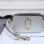 Marc Jacobs-02-4 春夏新款snapshot銀色原版皮吉他背帶相機包