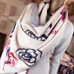 CHANEL-01 香奈兒時尚山茶花系列裸色印花羊絨長款圍巾