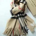 Lvaaa.tw-04-4 巴寶莉人氣經典款駝色格子純山羊絨長款圍巾
