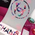 CHANEL-01-3 香奈兒時尚山茶花系列灰藍色印花羊絨長款圍巾