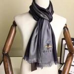 GUCCI圍巾-42-01 古馳秋冬新款經典格紋搭配小蜜蜂羊絨材質情侶款圍巾