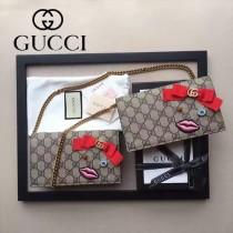 GUCCI 431395 最新嘴巴系列PVC配粉色內裡單肩斜挎包晚宴包