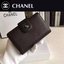 CHANEL 0532 人氣熱銷黑色細紋魚子醬原版皮搭扣中長款錢包