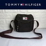 TOMMY HlLFlGER-004 時尚百搭咖啡色尼龍面料單肩斜挎包