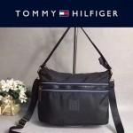 TOMMY HlLFlGER-008 春季新款黑色防水面料單肩斜挎包