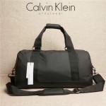 Calvin Klein Jeans-011 旅行袋采用耐磨防水輕便的幹絲熱壓PU包包輕便高實用耐用出門旅行必備