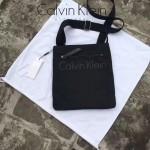 Calvin Klein-014-2 新品 男士防水尼龍布斜挎包輕便百搭款內裏多隔層間單實用經典黑