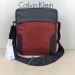 Calvin Klein Jeans-010 單肩斜挎包原單正品防水面料YKK拉鏈休閑輕便款酒紅色