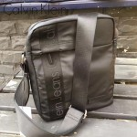 Calvin Klein-005-2 男士之選黑色防水面料豎款單肩斜跨包