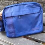 Calvin Klein-003 新款男士寶藍色防水面料單肩斜挎包