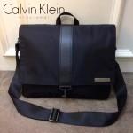 Calvin Klein-0013 男士必備降落傘面料配皮橫版大號單肩斜挎包