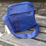 Calvin Klein-005 男士之選寶藍色防水面料豎款單肩斜跨包