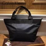 Calvin Klein-0033 實用女士黑色防水面料手提包媽咪包
