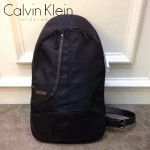 Calvin Klein-0017 潮流男士防水面料配牛皮單肩背包胸包