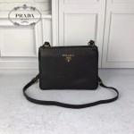 PRADA 1BH046 時尚新款女士黑色原版仿鹿皮單肩斜挎包