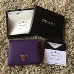 PRADA 1M0176-13 人氣經典款女士原單紫色十字紋短款三折錢包