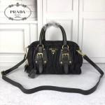 Prada-BL0800 黑色進口防水經典尼龍車褶皺款式搭配金色五金手提單肩斜挎包