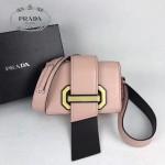 PRADA 1BD067-4 楊冪同款粉色原版牛皮配樹脂扣單肩斜挎包