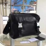 prada-VA1063 最新款黑色男女適用款納帕小牛皮斜挎包