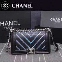 CHANEL 8919-3 個性新款leboy V型黑色進口皮拼刺繡七彩珠光單肩斜跨包