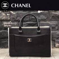 CHANEL-027-2 新款標誌性雙C扣醒目logo鎖扣適合春夏拼色黑白手提包通勤包