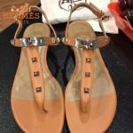 HERMES鞋子-003-4 專屬配長裙款專櫃鉚釘設計飾釦平底夾趾涼鞋