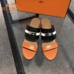 HERMES鞋子-002 專櫃新品拼色牛皮搭配專櫃飾釦坡跟拖鞋