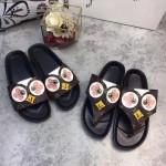LV鞋子-002-2 路易威登春夏新款小雞系列老花面料平底夾趾拖鞋一字拖