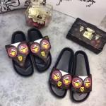 LV鞋子-002 路易威登春夏新款小雞系列老花面料平底夾趾拖鞋一字拖