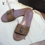 LV鞋子-001 路易威登春夏新款經典款鎖頭裝飾平底拖鞋一字拖