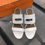 HERMES鞋子-002-3 專櫃新品進口牛皮搭配專櫃飾釦坡跟拖鞋