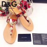 D&G鞋子-004-4 杜嘉班納夏日最新款徽章設計配彩色絲帶平底夾趾涼鞋