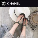 CHANEL鞋子-0017 香奈兒專櫃最新款徽章系列原版定制綿羊皮平底夾趾涼鞋