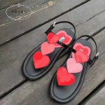 PRADA鞋子-003 普拉達甜美淑女風愛心貼片牛漆皮平底夾趾涼鞋