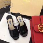 PRADA鞋子-004 普拉達春夏季新款進口牛漆皮鞋面後跟花朵粗跟露趾拖鞋
