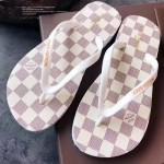 LV鞋子-003-3 路易威登專櫃限量紀念版白色棋盤格平底人字拖沙灘鞋